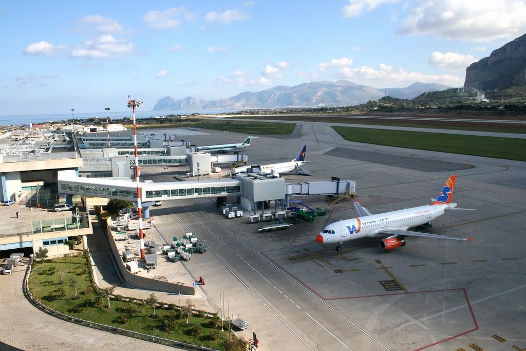 news_img1_61401_palermo-sciopero-aeroporto